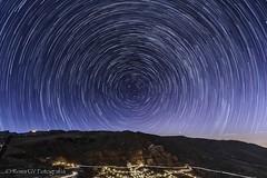 Circumpolar sobre Temisas (ROSA GV Fotografa) Tags: noche noctografos circumpolar temisas luces ciudad estrellas stars polaris