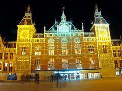 Centraal Station (Gijlmar) Tags: holland netherlands amsterdam night europa europe nederland noite holanda nuit notte hollande avrupa amsterdo hollanda pasesbajos  amsterd nederlnderna pasesbaixos     nizozemsko
