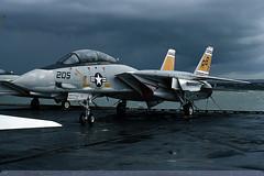159016/AB-205 - F-14A Tomcat - US Navy / VF-32 - USS John F Kennedy - Portsmouth - 23-Oct-76 (THE Graf Zeppelin) Tags: portsmouth aircraftcarrier usnavy usn tomcat grumman ussjohnfkennedy vf32 f14a fighteraircraft spithead 159016 19761023
