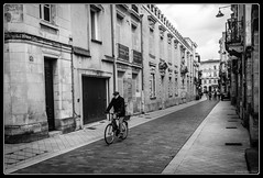 A bicyclette (Maestr!0_0!) Tags: street urban white black xpro noir fuji bordeaux rue blanc urbain