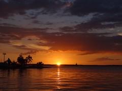 cienfuegos cuba (Ernesto Santana Capote) Tags: sol de cuba puesta cienfuegos