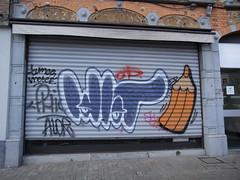 Idiot | Crayon (Anne Robertz) Tags: brussels streetart graffiti idiot bruxelles crayon brussel crons