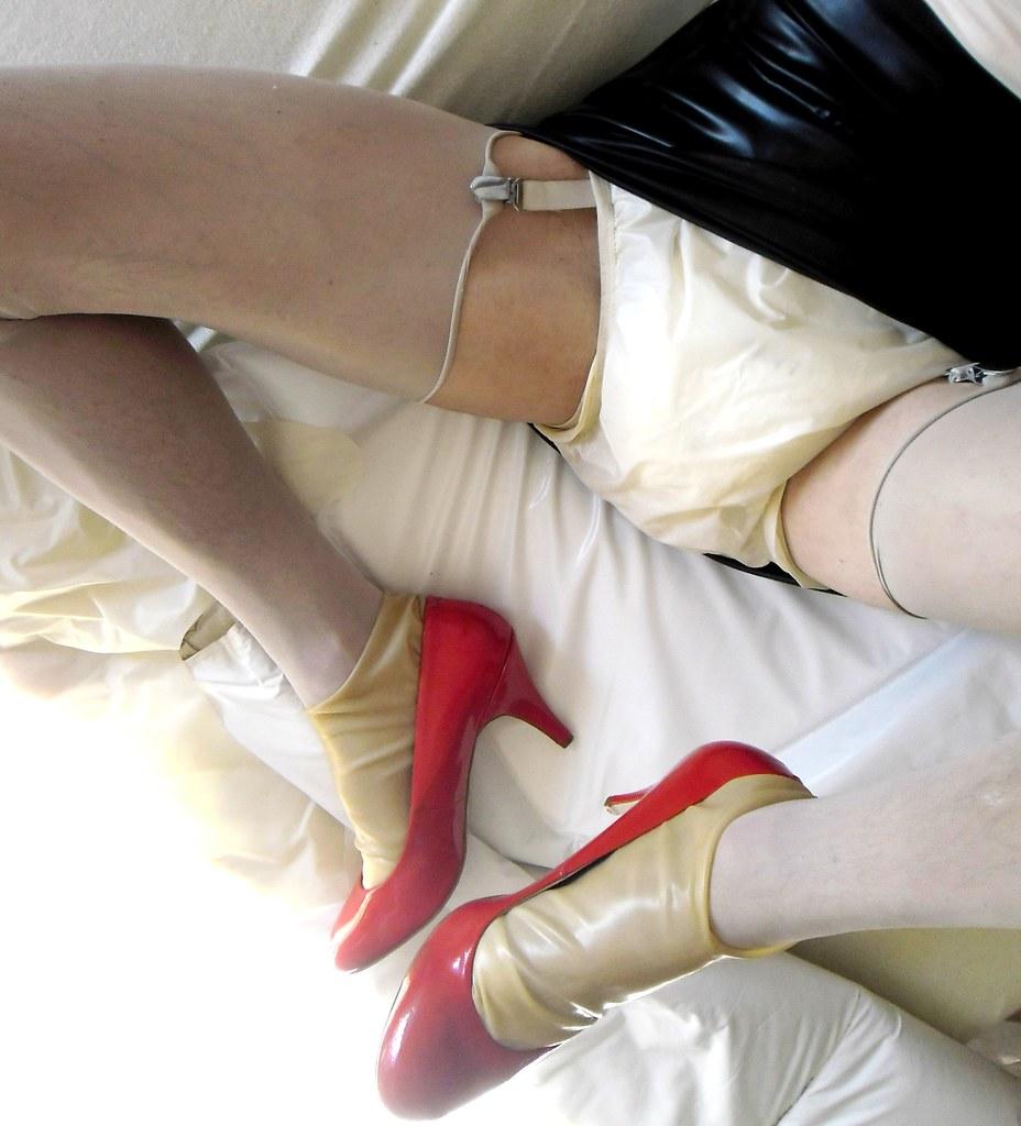 goldenshowers heels