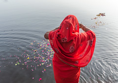 Morning Prayers | Yamuna Ghat,Mathura,India (vjisin) Tags: street travel food woman india abstract texture river nikon asia ngc streetphotography ritual prayers ghat mathura nikond3200 indianwoman yamuna chennaiweekendclickers nikonofficial cwc497