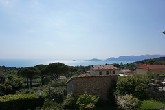 Bay of the Poets from Montemarcello (Nevica) Tags: trees sky italy building water horizon laspezia montemarcello bayofthepoets