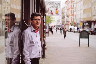 The poet on the corner (Poeten på hörnet)