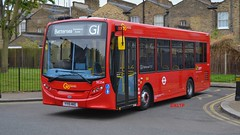 SE254 Go-Ahead London (KLTP17) Tags: new red london 200 short g1 brand clapham enviro pl adl goahead se254 89m 15reg yy15hke