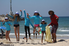 IMG_8817 (Streamer -  ) Tags: ocean sea people green beach nature students ecology up israel movement garbage sunday north group young cleanup clean teen shore bags  nonprofit streamer  initiative enviornment    ashkelon          ashqelon   volonteers      hofit