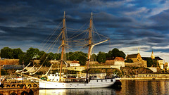 Akershus festning (Miradortigre) Tags: city trip travel oslo norway port puerto norge ciudad fortaleza noruega tallship hafen fortress velero 挪威 marianomantel