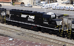 NS 3365 SD40-2 (DFaustAltoona) Tags: ex ns norfolk southern cr altoona sd402 3365 c91