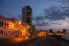 Sunset on the Malecn -  Havana (-AX-) Tags: havana cuba malecn btimentimmeuble