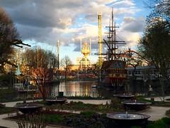 Lake, pirate ship (ilamya) Tags: lake copenhagen denmark tivoli amusementpark kbenhavn pirateship
