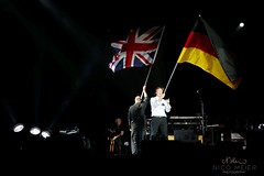 Paul McCartney waving German Flag #2 (NM_Pics) Tags: munich mnchen paul beatles olympicstadium mccartney paulmccartney olympiastadion oneonone