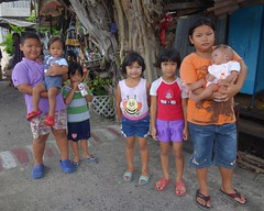 children with babies (the foreign photographer - ) Tags: dscaug142016sony five children two babies khlong lard phrao bangkhen bangkok thailand sony rx100