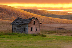 Barn in Cheney, WA (Meleah Reardon) Tags: old barn cheney washington rural decay sunset fire sunrise orange green brown hills golden eastern pacific inland northwest beautiful stunning landscape