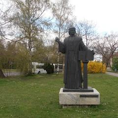 Skaryna (Navi-Gator) Tags: sculpture prague belarus skaryna