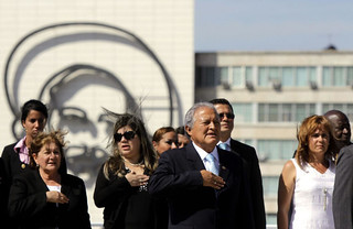 Ofrenda Floral al Monumento de Jose Martí
