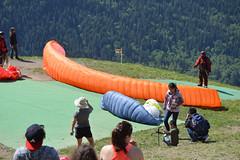 Preparing the Parachute (Sotosoroto) Tags: washington hiking paragliding tigermountain poopoopoint dayhike chiricotrail