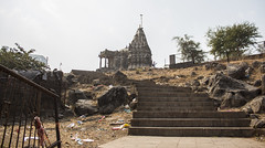 nice and clean (Tin-Tin Azure) Tags: world india heritage temple unesco archaeological mata gujarat pavagadh kalika champaner