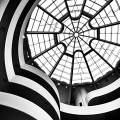 guggenheim (dan.boss) Tags: blackandwhite bw usa newyork blancoynegro monochrome architecture contrast architektur guggenheim schwarzweiss tiefighterwindow