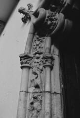 Porta Manuelina (rgrant_97) Tags: film portugal puerta nikon espana porta raya ilford raia olivenza extremadura f55 olivena manuelina