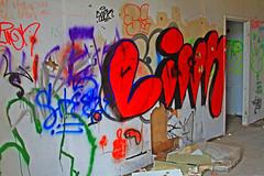 Insides (Quo Vadis2010) Tags: art tom painting graffiti se ruins paint grafitti message sweden empty konst doodle graffitti expressive scrawl lonely sverige solitary revolt scribble halmstad tegel disrepair klotter halland industri industrialruins unoccupied ödslig måla målning bostäder rivning förfall övergiven bruk kludd väggmålning budskap slottsmöllan abandonedruin tegelbruk spraya meansofexpression affärer självförverkligande enslig övergivenindustri industriiförfall municipalityofhalmstad formerbrickworks youthrevolt halmstadkommun norrainfarten wayofexpressingoneself uttrycksform sättattuttryckasig ungdomsrevolt synliggörande industryindisrepair föredettategelbruk underrivning kommandebostadsbebyggelse spreja konstnärligayttringar slottsmöllansbruk