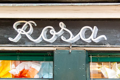 Rosa (typetrash) Tags: venice window wall handwriting typography type ornamental 3dletter typetrash