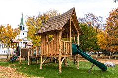 _DSC4809.jpg (bristolcorevt) Tags: playground bristol vermont outdoor swings structure treehouse bristolvt towngreen