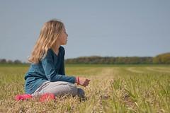 Relax (thomas druyen) Tags: girl field hair outdoor pflanze feld portrt gras mdchen haare druyen
