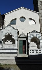 Parish Church of St. Thomas Beckett - Dervio - Lake Como Italy (Gilli8888) Tags: door italy lake church architecture buildings steps doorway portal lakecomo lombardia tombs stthomas lombardy arks dervio stthomasbeckett churchofstthomasbeckett