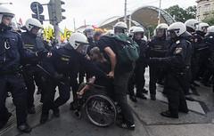D3s_20160611_150502_01 (martin juen) Tags: vienna wien demo austria österreich demonstration polizei rechts aut barrikaden nationalismus gegendemo pfefferspray barrikade polizeigewalt rechtsextrem martinjuen revisonismus identitär identitäre 12062016 12juni2016
