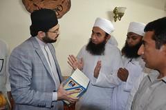 Maulana Tariq Jameel meet Dr. Hassan Mohiuddin Qadri (Muhammad Tayyab Raza) Tags: dr hassan karachi meet maulana tariq muhammad jameel qadri mohiuddin tahirulqadri