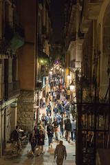 Barcelona Night Life (jo_jorandall) Tags: barcelona balcony tourists nightlife lively