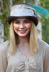 Girl in Hat (wyojones) Tags: woman cute girl beautiful beauty smile hat festival pretty texas gorgeous feather lips trf greeneyes blonde faire redlips renfaire lovely renaissancefestival renaissancefaire renfest maiden wench damsel texasrenfest hatband texasrenaissancefestival toddmission