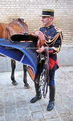 bootsservice 07 9310 (bootsservice) Tags: horse paris army cheval spurs uniform boots military cavalier uniforms rider cavalry militaire weston bottes riders arme uniforme gendarme cavaliers equitation gendarmerie cavalerie uniformes eperons garde rpublicaine ridingboots