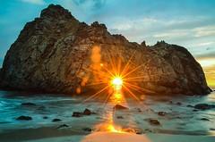 Sunset through the rock in Big Sur, California | Photography by Senthil Balakrishnan (manbeachrm) Tags: sunset sunsets sunsetbeach sunsetpark sunrisesunset beachsunset sunsetting sunsetblvd sunsetsky sunsetstrip beautifulsunset amazingsunset sunsetcolors sunsetview floridasunset sunsetporn californiasunset sunsetphotography chasingsunsets scenicsunset sunsetphotographs sunsetlovers sunsetlover sunsethunter sunsetoftheday sunsetmadness instasunsets sunsetsniper instasunset igsunset