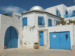 Sidi Bou Said (سيدي بو سعيد) (twiga_swala) Tags: blue windows white architecture iron doors tunisia tunis traditional cyan style bougainvillea bleu vernacular said ironwork forge blanc bleutée fer grilles andalusian sidi bou túnez tunisian wrought bouganvilla portes mashrabiya grills moucharabieh vernaculaire oriel بو andalusi سعيد سيدي ferronnerie andalous traditionnelle زاوية forgé tunisienne الحديد مصنع andalousian مشربية shanasheel شناشيل الباجي