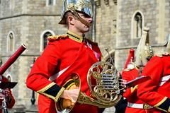 England 2016  Windsor  French horn (Michiel2005) Tags: uk greatbritain england soldier army unitedkingdom britain band windsor berkshire windsorcastle engeland leger soldaat vk muzikant militaryband muzikanten grootbrittanni verenigdkoninkrijk