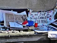 08 - Autel spontan de janvier. (AMToulouse) Tags: toulouse placeducapitole archivesmunicipales jesuischarlie 13novembre2015 tmoignagesattentats