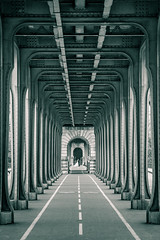 Under the metro.... (80D-Ray) Tags: bridge blackandwhite paris france monochrome seine perspective pillars birhakeim weddingcouple