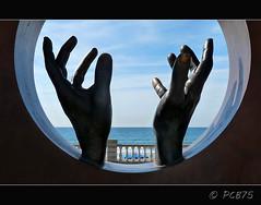 La llum del mar (PCB75) Tags: beach mar museu cel catalonia mans catalunya blau sitges garraf passeig platja sorra passejada catalogne santjordi bondia passejar bacardit