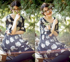 Blumenmdchen (carla_hauptmann) Tags: wood flowers 50mm dress sony blossoms blumen wald tanne a77 kleid f17 lippenstift drausen ostsode gipstick