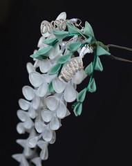 White wisteria kanzashi. Fuji tsumami zaiku (Bright Wish Kanzashi) Tags: white fuji handmade wisteria  originaldesign tezukuri kanzashi   japanesetechnique tsumamizaiku