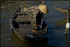 Rowing boat (Mar Santorio) Tags: d50 nikon vietnam hoian saigon bote rowingboat