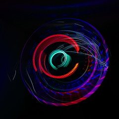 Photonenrotor #64 (Sven Grard (lichtkunstfoto.de)) Tags: lightpainting color art bulb painting lights moving nikon rotation nophotoshop lichtmalerei lightart langzeitbelichtung lapp lichtkunst longexpo sooc glpu ledlenser pholac2016