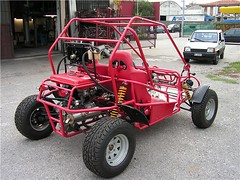 "costruzione_buggy_250cc_40 • <a style=""font-size:0.8em;"" href=""http://www.flickr.com/photos/143934115@N07/27403872262/"" target=""_blank"">View on Flickr</a>"