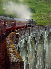 The Jacobite Steam Train (guenterleitenbauer) Tags: 2016 5d april austria canon guenter gnter juli landscape leitenbauer urlaub wels bild bilder britain brittanien burg castle city flickr foto fotos great image images july key landschaft photo photos picture pictures ruine schottland scotland stadt town wasser water wwwleitenbauernet sterreich the jacobite steam train dampf dampfzug zug lok locomotive viadukt viaduct glenfinnan