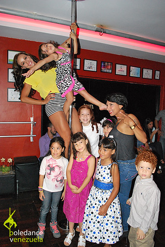 """Inauguración Elektra Pole Dance • <a style=""""font-size:0.8em;"""" href=""""https://www.flickr.com/photos/79510984@N02/16992680483/"""" target=""""_blank"""">View on Flickr</a>"""