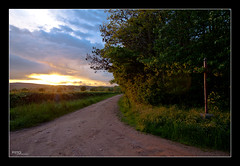 Sunset in Allier, France (Pito Charles) Tags: sunset france french landscape soleil coucher allier paysage campagne pathway chemin