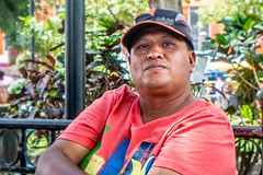 Alfredo (Christopher OKeefe) Tags: elsalvador santatecla plaza vendor
